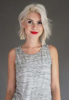 Short hair + red lips