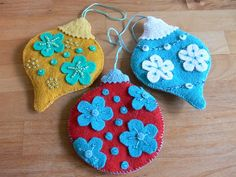 beaded felt ornaments from Fa La La La Felt pattern (Stumbles & Stitches)