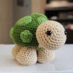 Sheldon the little turtle amigurumi crochet pattern