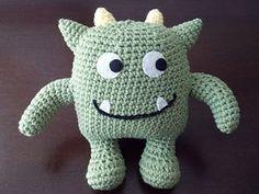 Hug Monster - free crochet pattern