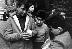 Alfred Eisenstaedt - Children, Paris, 1963.