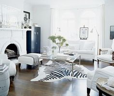 Heart of Gold and Luxury: Inspiring Interiors - Hits of White