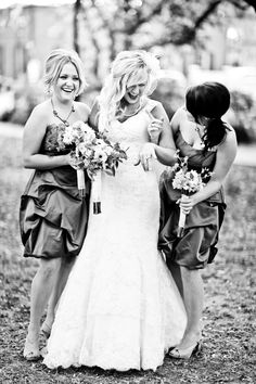 sisters wedding photo.