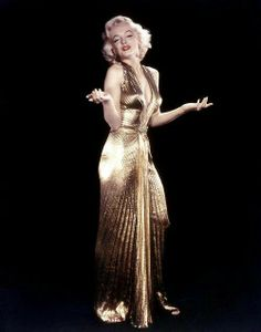 ♥ Marilyn Monroe because she is the ultimate prerequisite babe plus there will be another dead Kennedy  at the table