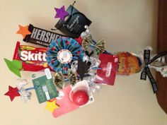 Graduation Gift... Like the way the items are displayed- going to use with candy and the extra stars and graduation hat tie everything together!