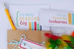 free printable summer reading log, treat bag topper and bookmark  {Rebecca Cooper}