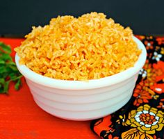 An easy recipe for Spanish Rice! Add this side dish to all your Latin meals - The Foodie Affair #rice #sidedish #mexicanrice #spanishrice #glutenfree #easyrecipe Foodi Affair