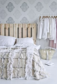 wedding blanket/ handira vintage  http://www.elramlahamra.nl/Handira/Handira-vintage-17/flypage.tpl.html