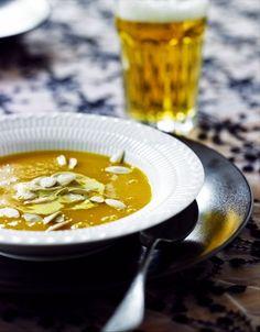 Une soupe au potiron / Pumpkin soup, orange,
