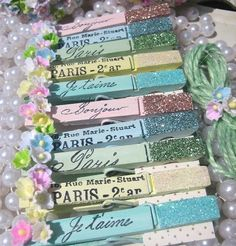 French Inspired, glitter stamped pins.