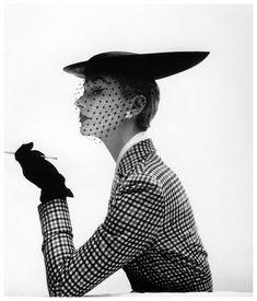 Lisa Fonssagrives + Lilly Dache bicorne skimmer. Photo: Irving Penn for Vogue, February 15, 1950. models, stamp, fashion, crazy hats, lisa fonssagr, black white, irving penn, irv penn, sherlock holmes
