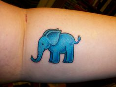 love this little elephant (and anything involving elephants for that matter)