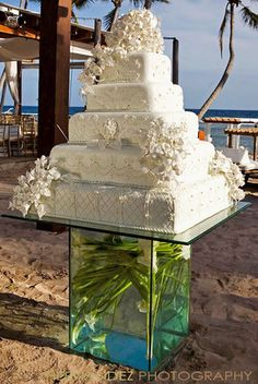 beach wedding cake with pearls