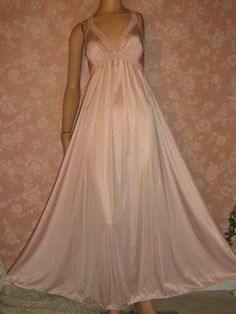 Vintage petal pink olga nightgown long & sweepy @vintagepretties