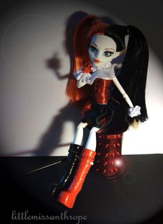 A Harley Quinn inspired Monster High doll! Want one!!!