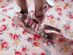Sewing Machine Feet uses. So good to know!