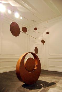 kinetic sculpture by Simon Gudgeon