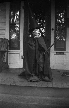 Vintage Halloween Witch!!  I'm Melting, I'm Melting!