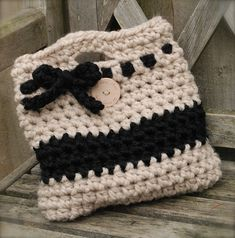 Travlyn Bag by Heidi May: free crochet pattern ✿⊱╮Teresa Restegui http://www.pinterest.com/teretegui/✿⊱╮
