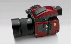 Ferrari limited edition camera, only 599 made and costs a whopping $38,000/£23,000. I want one!! lol