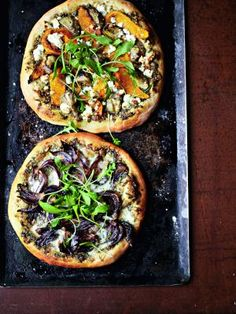 butternut squash, red onion, arugula pizza