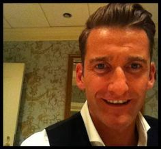 Paul Byrom @paulbyrom Half way through the tour and still smiling!! Thanks for the support! #mamstour