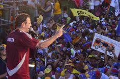 En Bolívar nuestro pueblo reafirmó su deseo de una Venezuela con futuro y progreso. #HayUnCamino
