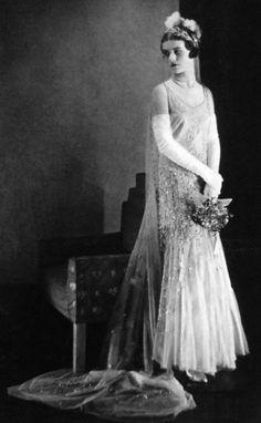 Beautiful 1930s bride