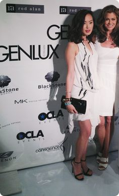 """Chriselle of """"Genlux"""" magazine with Kathy Ireland and her Jill Milan Chelsea clutch."""