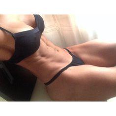 @espana927 snaps the heart of her epic butt/tiny waist