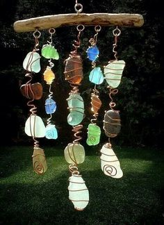 Wire wrapped stones. Gloucestershire Resource Centre http://www.grcltd.org/scrapstore/