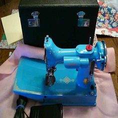 turquoise singer featherweight sewing machine #BLUE