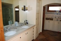 Love the travertine and tile in my old bath!
