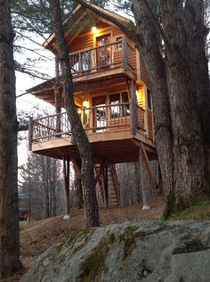 Treehouse bed and breakfast at Moose Meadow, VT.  $425/ night.   pricey :(    but hopefully someday.
