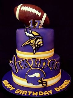 football cakes, footbal cake, gum paste, cake idea, minnesota vikings cake, vike cake, minnesota vike, football vikings cake, cake sport