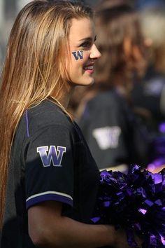 Washington Huskies Cheerleader