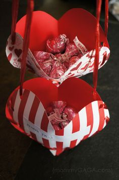 DIY Valentine's Day Treat Pockets. Looks like a fun craft for my girls.