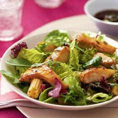 With five ingredients and 230 calories this Asian Tilapia Salad is an ideal summer meal. #recipes