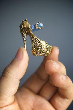 24k Gold Heel I`ll put it on a chain...it`s cute.