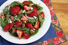 Spinach Strawberry Salad with Candied Pecans, Feta, & Raspberry Poppyseed Dressing #theyummylife