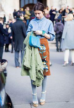 Baggy-Fitting Shirt + Printed Midi Skirt