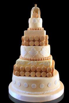 wedding cake - macarons beige