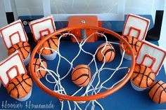 cute basketball cupcakes