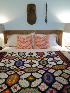 Beautiful vintage granny afghan. No pattern, but it looks like it might be based on a quilt design.