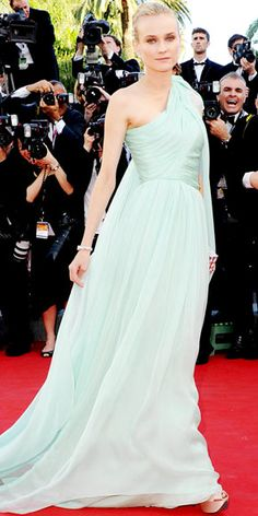 Diane Kruger in Giambattista Valli haute couture.. style so effortlessly