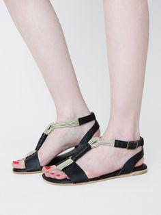 tstrap sandal