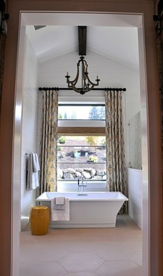 Isabella & Max Rooms: gorgeous bath