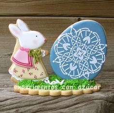 MRS. BUNNY AND THE EASTER EGG cookies