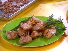 Garlic Roast Chicken with Rosemary and Lemon Recipe : Rachael Ray : Food Network - FoodNetwork.com