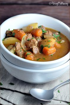 Slow Cooker Beef Stew #beefstew #slowcooker #crockpot #V8VegOut